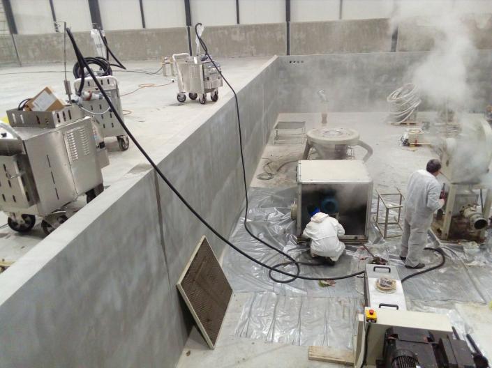Čišćenje mašina u industriju. Profesionalni i industrijski Menikini paročistači i uređaji za čišćenje, odmašćivanje i dezinfekcije suvom parom. Suva para za dezinfekciju i čišćenje u prehrambenu industriju i ugostiteljstvo.