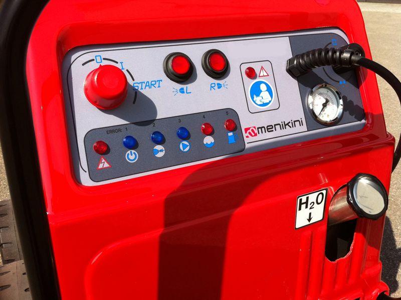 Profesionalni i industrijski Menikini paročistači i uređaji za čišćenje, odmašćivanje i dezinfekcije suvom parom. DI20 i DI40 paročistač mobilni na dizel. Suva para za dezinfekciju i čišćenje u prehrambenu industriju i ugostiteljstvu. Idealno za industrijsko čišćenje, autoperionice i pranje automobila