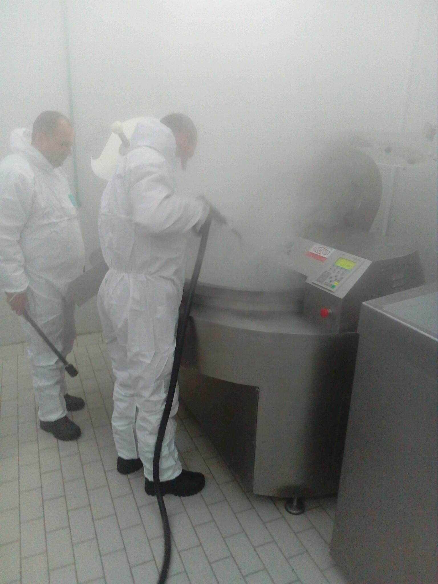 Dezinfekcija. Profesionalni i industrijski Menikini paročistači i uređaji za čišćenje, odmašćivanje i dezinfekcije suvom parom. Suva para za dezinfekciju i čišćenje u prehrambenu industriju i ugostiteljstvo.