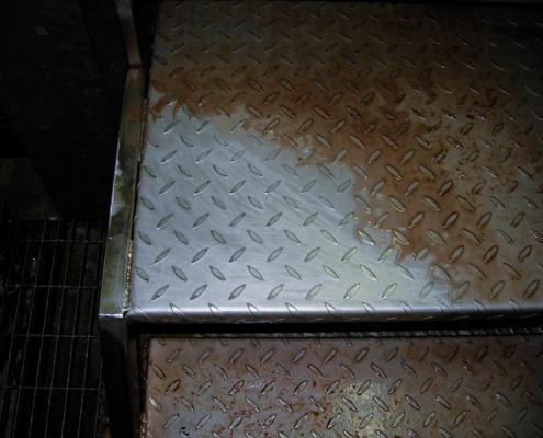 Profesionalni i industrijski Menikini paročistači i uređaji za čišćenje, odmašćivanje i dezinfekcije suvom parom. Suva para za dezinfekciju i čišćenje u prehrambenu industriju i ugostiteljstvo.
